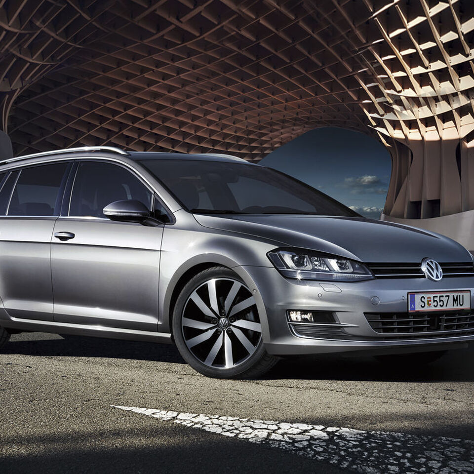 vw volkswagen golf variant silver lateral