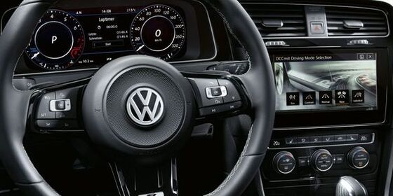 VW Golf R detaliu bord