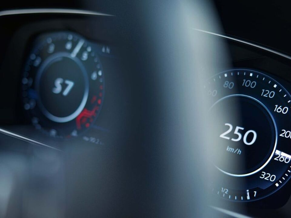 VW Golf R Launch Control Display
